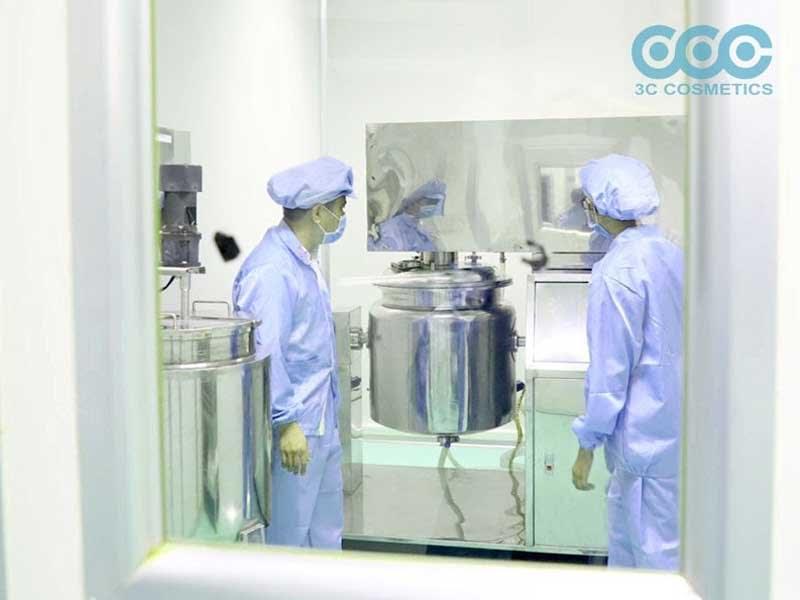 Sản xuất mask dẻo tại nhà máy 3C