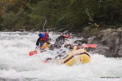 Rafting sulla lima a bagni di lucca aguaraja canoa - Rafting bagni di lucca ...