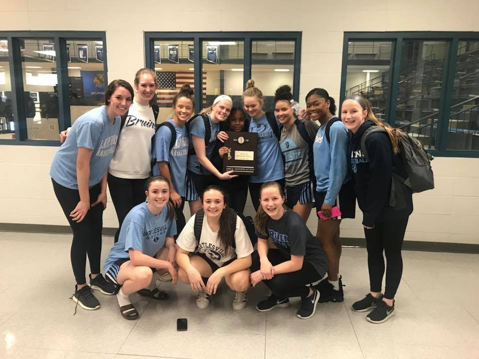 Lady Bruins to State