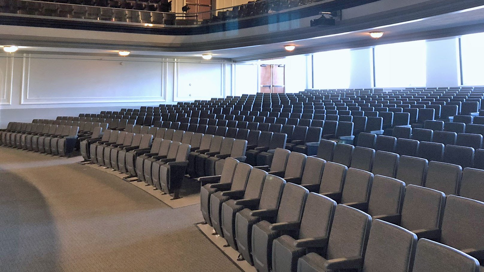 Main level seating