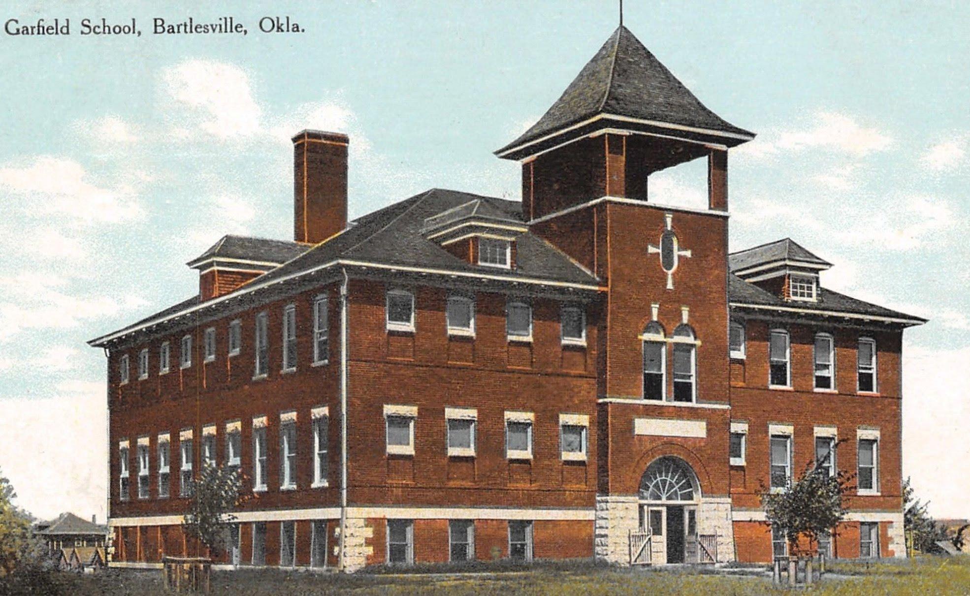 Postcard of Garfield before 1929 renovations