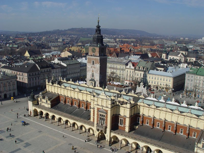 Cracow's Main Square, with Mary's Basilica and Cloth Hall