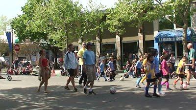 Davis AYSO volunteers at 2011 UCD Picnic Day parade