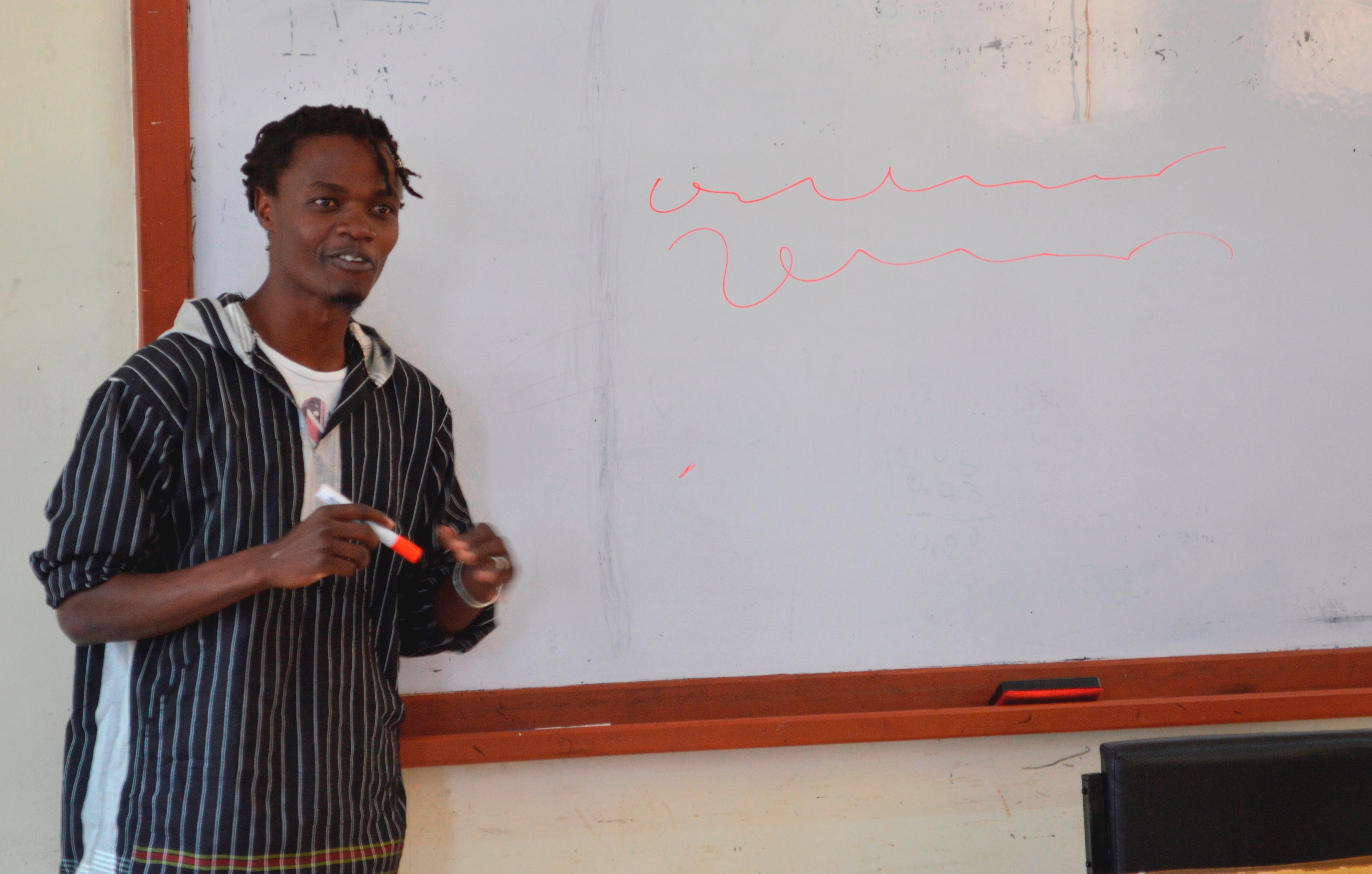 Juliani encourages artists to create art for social justice