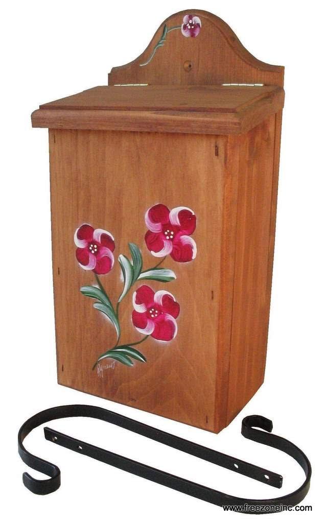 Boite Aux Lettres En Bois A Decorer : Boite aux lettres verticale en bois teint et peint ? la main