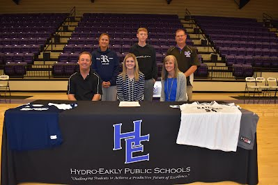Loryn Gore Signs Rose State