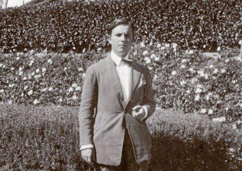 Imagen del autor en 1924. Tomada de La Razón