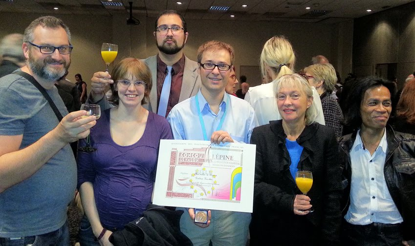 Yannick, Christine, Lionel, Frédéric avec la médaille, Yamina et Tony