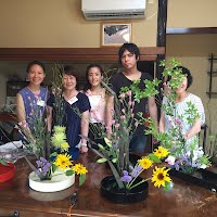 Ikebana workshop for foreigners in Kamakura ~HANABISAI~ 花美祭