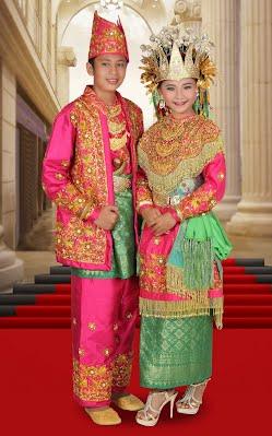 Pakaian Tradisional Melayu Pengkhazanahan Rumah Melayu