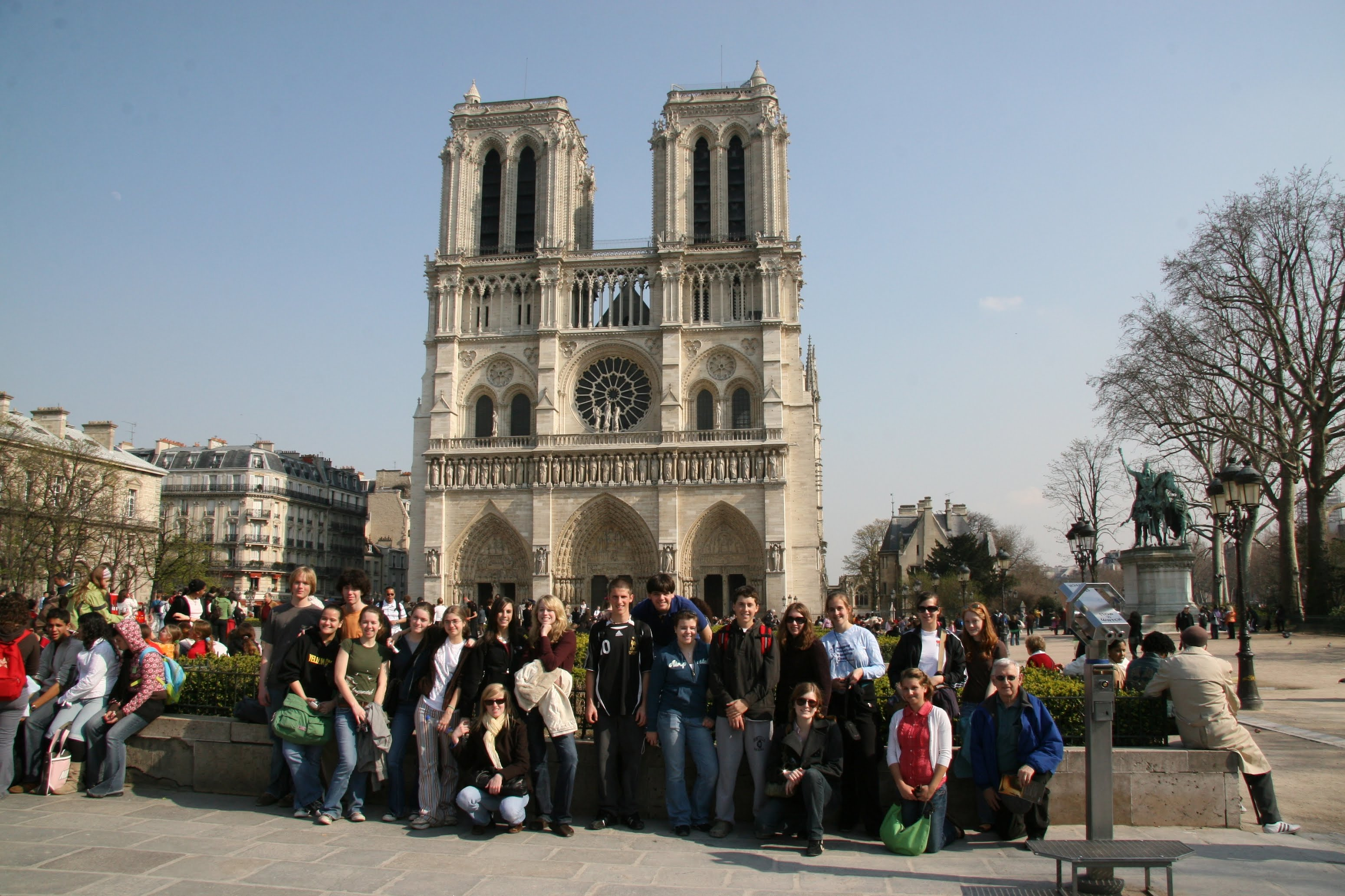 Monticello students at Notre-Dame de Paris, 2007