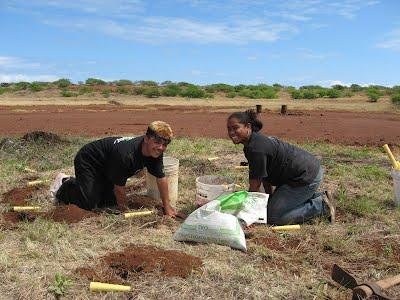 Joshua Andrade and Beautifual Wilson (Kua o ka Lā class of 2012) mālama Kahoʻolawe
