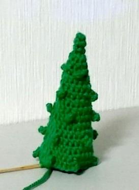 钩针编织的毛线圣诞树可以用洗衣机洗干净是既清洁又安全的圣诞树