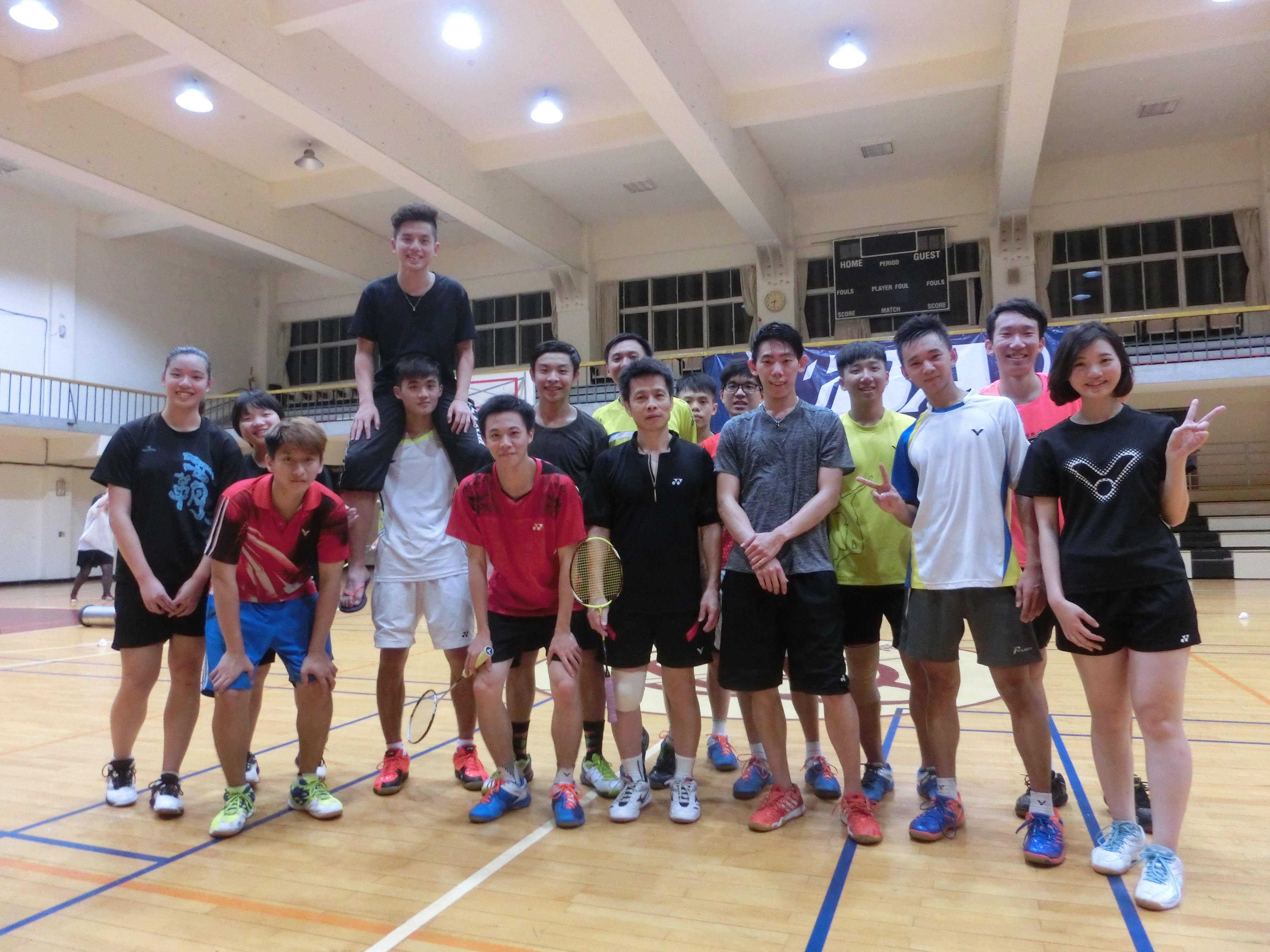 世新大學羽球校隊