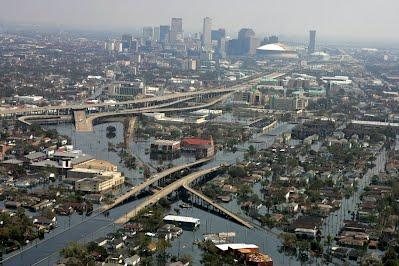 Austin Jones - Hurricane Katrina 2005 - Earth's Natural Disasters Online