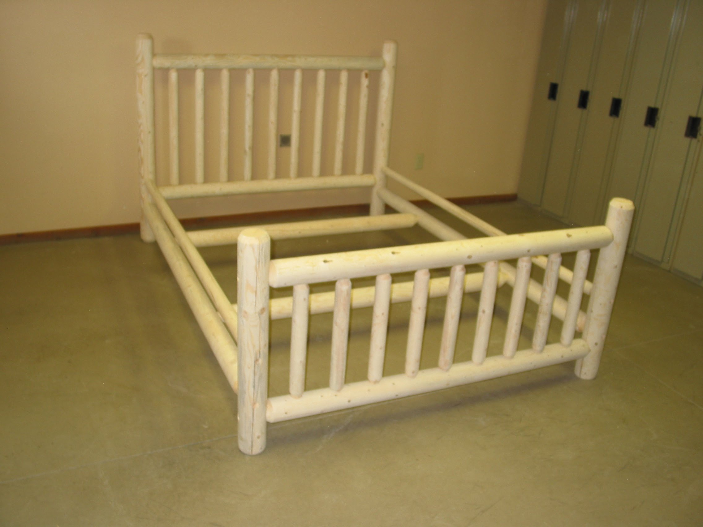 Popular All of these beds are built to last In addition to smooth material we also use uccharacter ud wood for a customized look This includes wood with blue stains