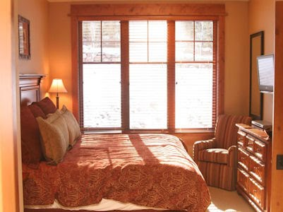 North Lake Tahoe Premier Vacation Rental Elegance Ski-in/Ski-Out Northstar Village Big Horn