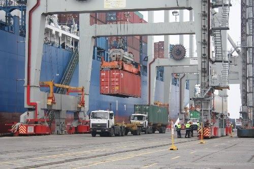 Экспортные грузы потянулись в наш город