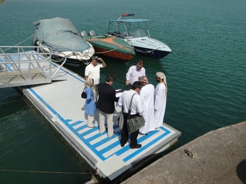 VIP deligate from Oman Ministry of fishery visit & inspect Parsian floating concrete pontoons in Rajayee complex, Persian Gulf