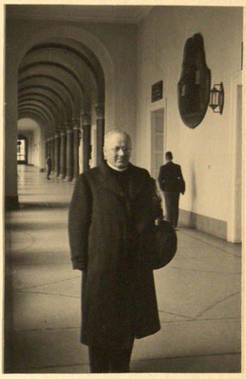 Alumnus - German historian of theology and philosophy, medievalist.