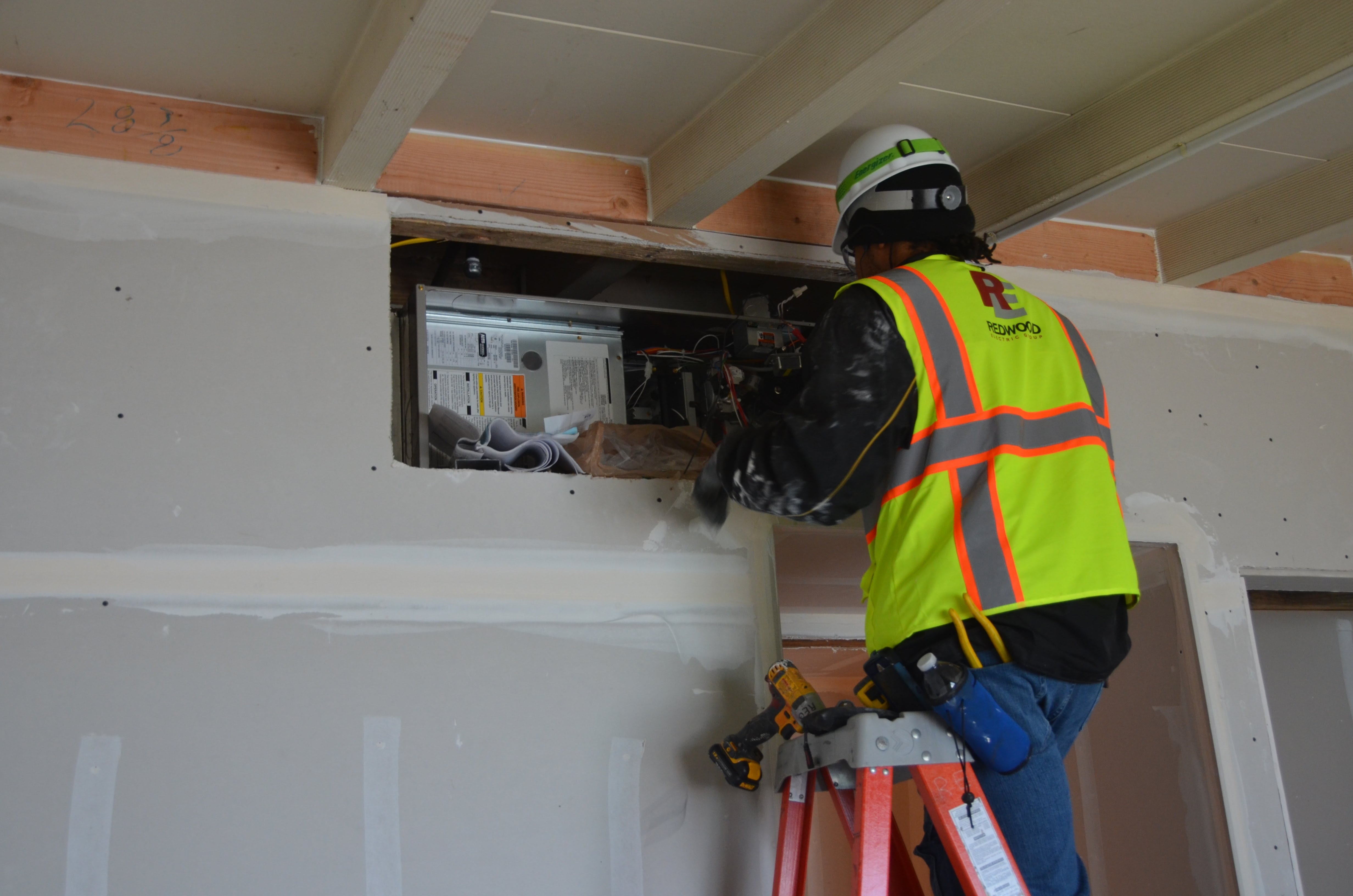 Raymond Group Is Finishing Stucco Work Put Up Drywall On Saay And Taping Mudding Today Take A Look