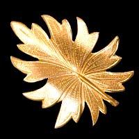 Vintage metal Gold Leaf Pin