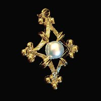 Vintage Pearl Gold Pendant