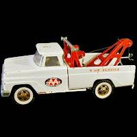 Vintage Tonka AA Wrecker Truck, 1960