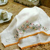 Antique Vintage Linen Hand Towel with Crocheted Trim & Embroidery, 1900's