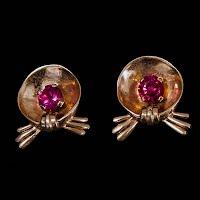 Vintage Metal Earrings with pink rhinestone