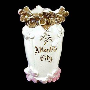 Antique Porcelain pink luster Vase, souvenir of Atlantic City