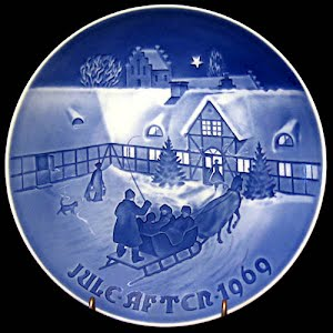 Vintage Blue and White Bing and Grondahl 1969 Christmas Plate