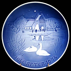 Vintage Blue and White Bing and Grondahl 1974 Christmas Plate