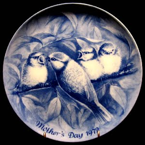 Vintage Blue and White 1972 Mothers Day Plate