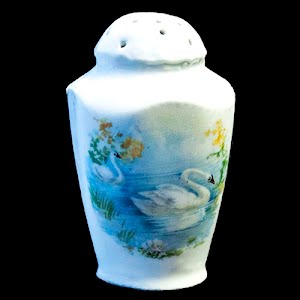 Antique Porcelain Blue and White Salt Shaker with Swans