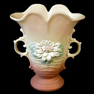 Vintage Hull Water Lily Art Vase