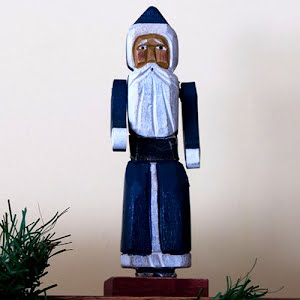 Vintage Wooden Christmas Santa with movable arms