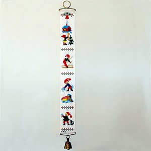 Vintage Embroidery Christmas Elves Bell Pull Wall Hanging with Bell