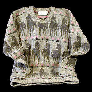 Sweater with Horses in shades of gray
