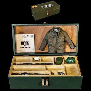Vintage 1964 First original GI Joe Doll footlocker with guns