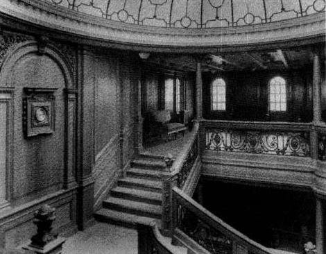Het interieur van de titanic het grote trappenhuis test for Titanic epave interieur