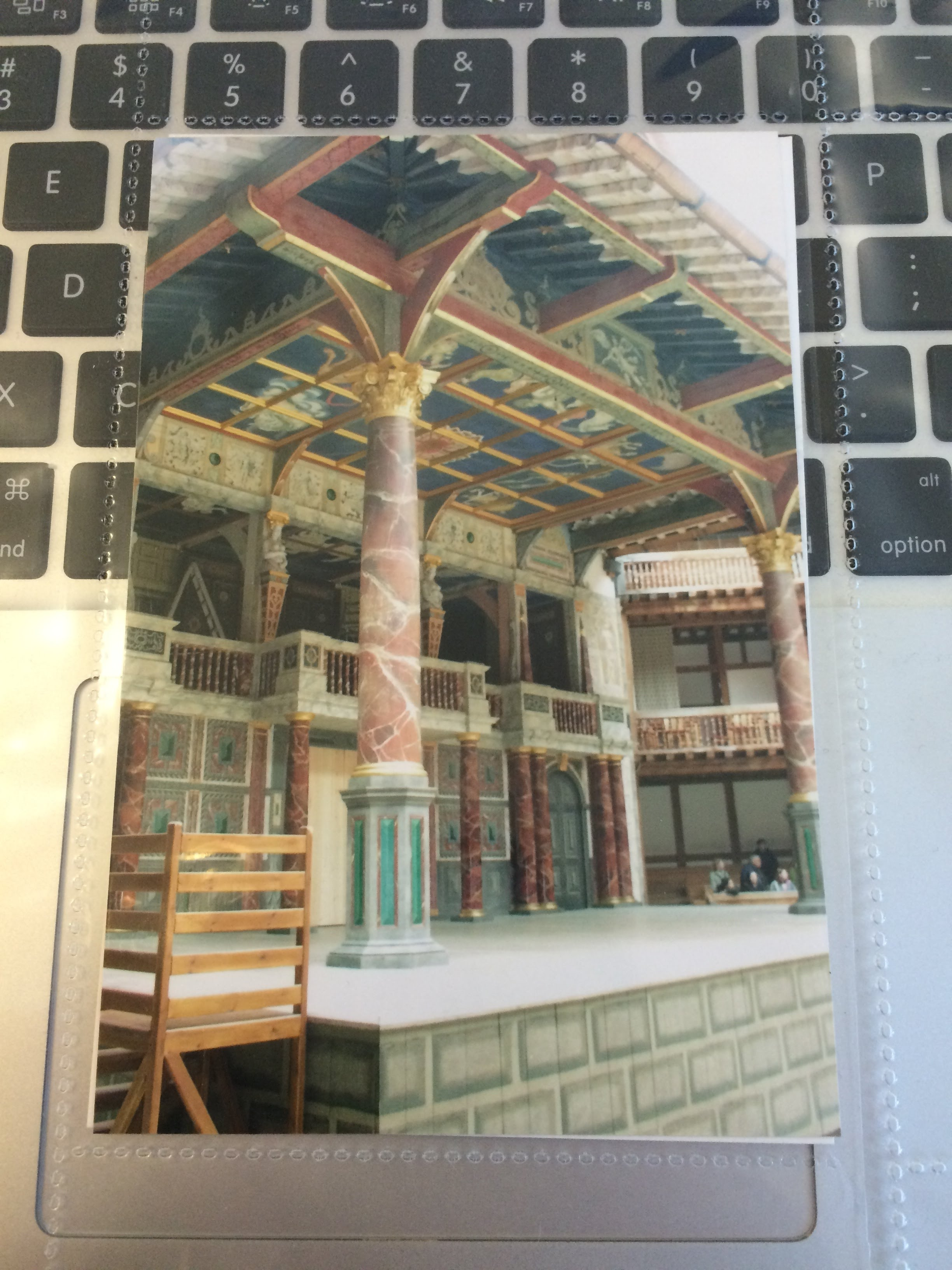 essays on the globe theatre History of elizabethan theatre in london during essays history of elizabethan theatre in there is only one detailed reconstruction of the globe from.