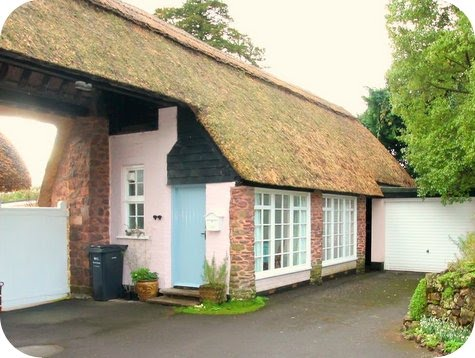 Priory Thatch Annexe