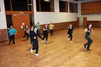 https://sites.google.com/a/tvstrassdorf.de/home/fitness/zumba/10.JPG?attredirects=0