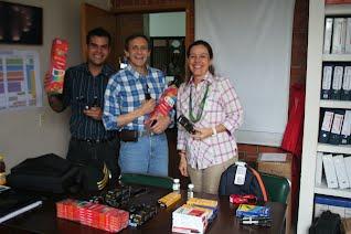 Diego Tellez. Felix Zambrano de visita en la U.Catolica con los materiales