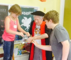 Ron Edge showing kids the magic of science at Hogwarts 2015