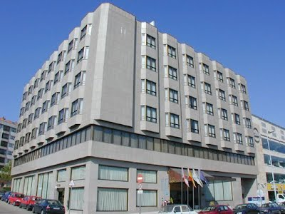 https://www.melia.com/es/hoteles/espana/vigo/tryp-vigo-los-galeones-hotel/index.html?mkwid=sX69aU03w_dc&pcrid=182179276759&pkw=tryp%20los%20galeones&pmt=e&SI=&gclid=EAIaIQobChMIkPK38I6d1QIVpr_tCh2e9wOVEAAYASAAEgISN_D_BwE&cvosrc=ppc.google.tryp%20los%20galeones&matchtype=e&cvo_crid=182179276759&cvo_campaign=ES%20-%20Marca%20-%20Tryp%20-%20Espa%C3%B1a%20-%20Vigo#ectrans=1