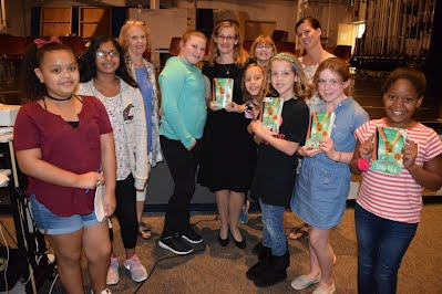 Kennedy students meet Kristin Levine