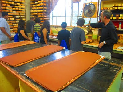 Patrick Hoskins of Syzygy explains the mathematics of tile making to YVC members in a project entitled: 'Time to Play with CLAY.'