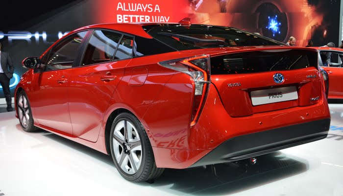plug in toyota prius debuts at new york motor show advance engines uk. Black Bedroom Furniture Sets. Home Design Ideas